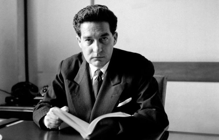 Si tenemos que hablar de Octavio Paz, primero tenemos que enmarcarlo en una  época literaria para entender mejor su obra. Octavio Paz perteneció a la  época ...